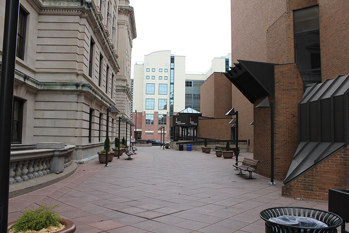 Pedestrian walkway between Onondaga County Courthouse and Syracuse Civic Center